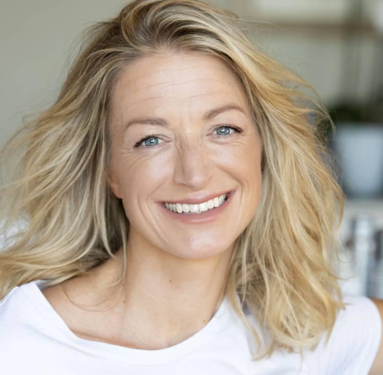 Elia Nichols, media / PR Womens International Network